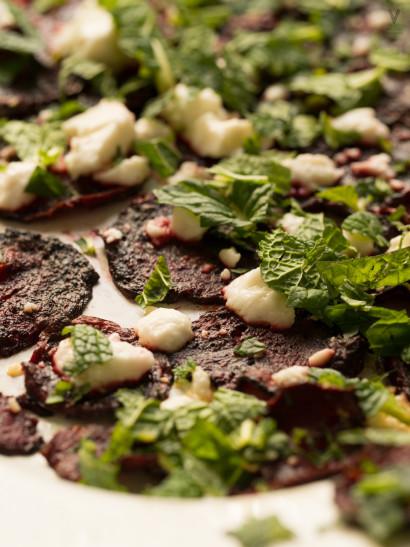 Roasted beets, feta, mint salad, Lebanese food, vegetarian food, mediterranean, foodies, chef, cook, home chef, madrid, rosa veloso