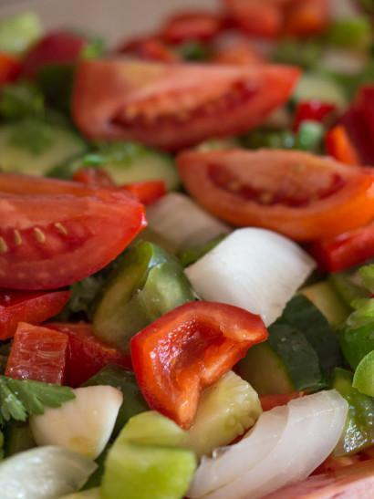 Gazpacho, vegetarian food, tomatoes, onion, cucumber, green peppers, red peppers, mediterranean, raw, Spanish food, comida española, foodies, chef, cook, home chef, madrid, rosa veloso