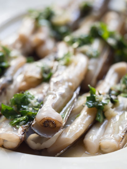 navajas al ajillo, grilled razor shell, ginger, lime, mustard mojo, seafood, shellfish, Spanish food, comida española, foodies, chef, cook, home chef, madrid, rosa veloso
