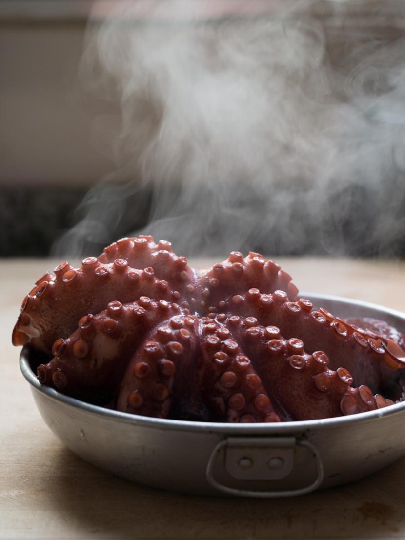 pulpo, octopus, Spanish food, comida española, seafood, shellfish, fish, foodies, chef, cook, home chef, madrid, rosa veloso