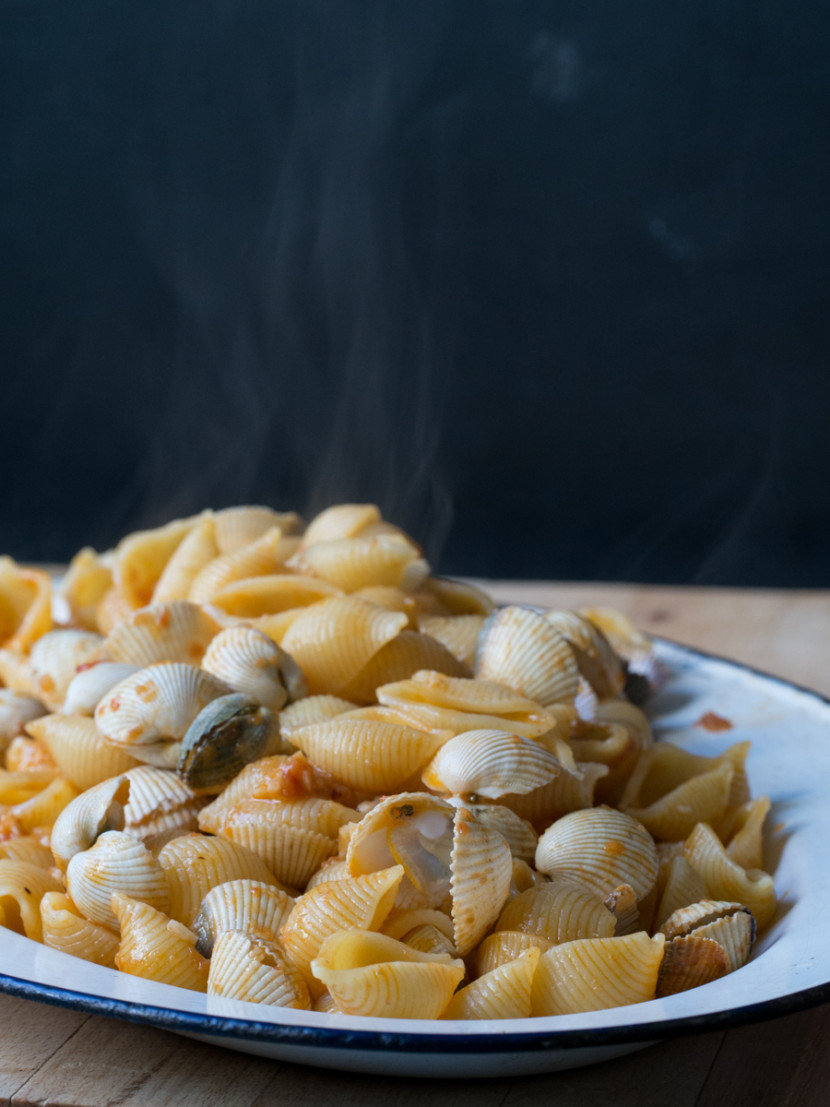 pasta and cockles, frutti di mare, italian food, mediterranean, foodies, chef, cook, home chef, madrid, rosa veloso