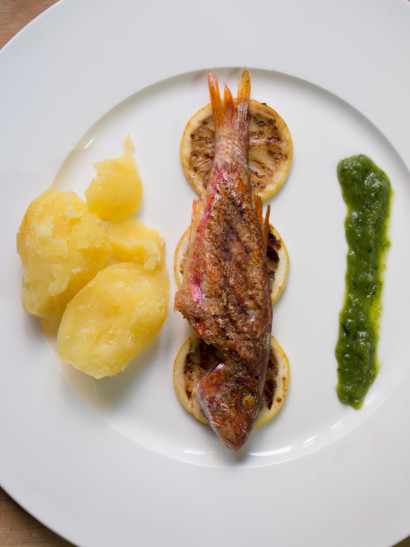 red mullet, lime, coriander, sauce, potaotes, seafood, fish, oven, foodies, chef, cook, home chef, madrid, rosa veloso